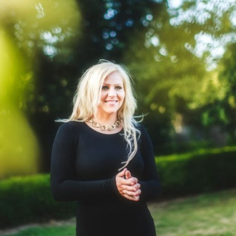 Helen Ashton | Norfolk Wedding Singer